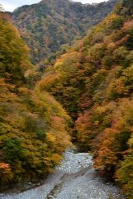 晩秋のユーシン渓谷