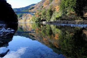 丹沢湖の秋景色