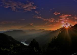 丹沢湖の夕暮れ